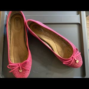 Giani Bernini- Pink ballet flats with bow detail